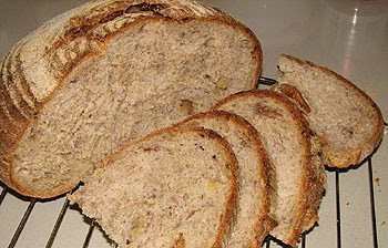 Хлеб с фундуком