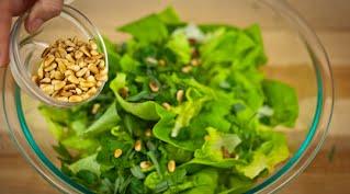 салат с кедровыми орехами шаг 10