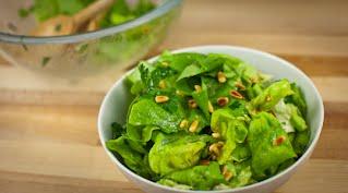 салат с кедровыми орехами шаг 13