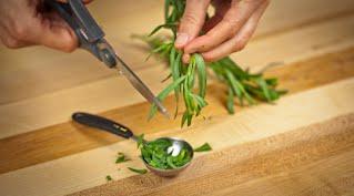 салат с кедровыми орехами шаг 9