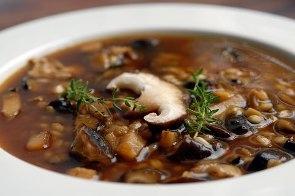 Грибной суп с грецким орехом
